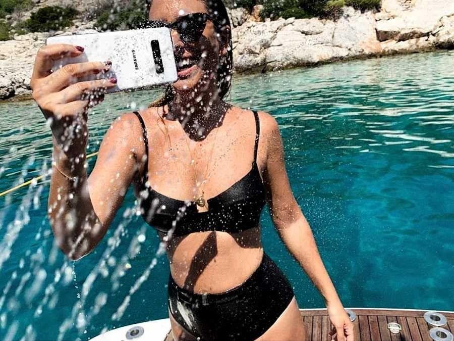 Blanca Suárez chica Samsung en bikini negro