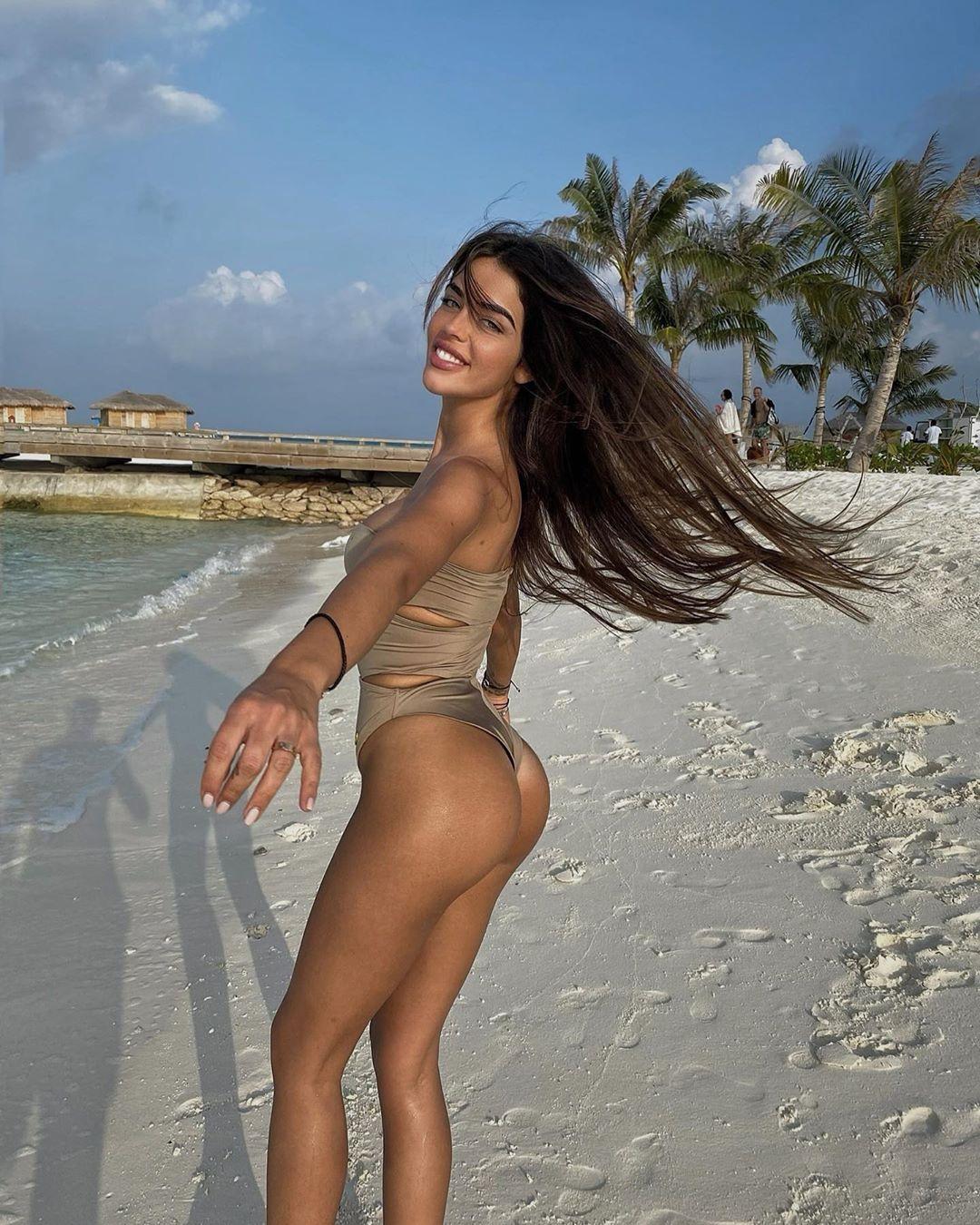 Bikini de Violeta Mangriñán en Maldivas